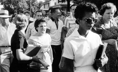 Hazel Bryan follows Elizabeth Eckford into Little Rock Central High, 1957