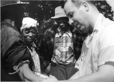 a doctor takes blood from a tuskegee suibject, via US National Archives